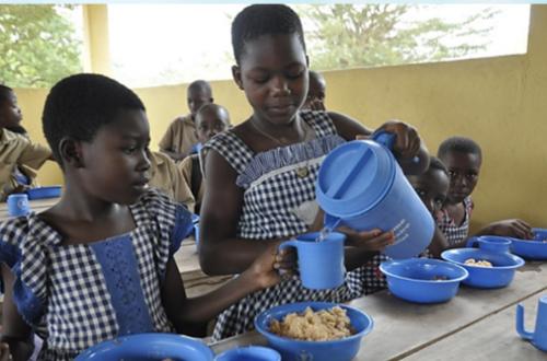 Article : Des repas à midi pour lutter contre le décrochage scolaire